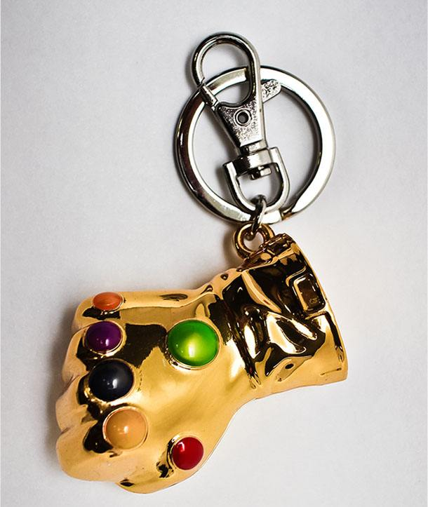 infinity keychain. marvel comics metal keychain infinity gauntlet | pop-addiction funko pop - collectables merchandise comics and much more from portugal infinity keychain